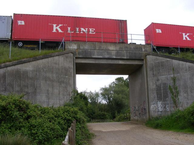 Railway bridge near Clickett Hill