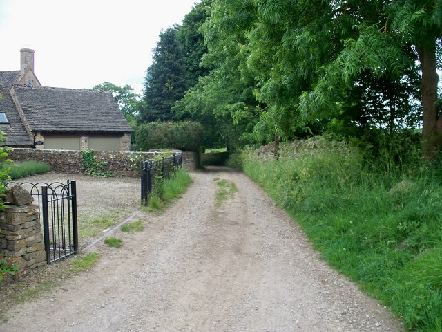 Start of bridleway