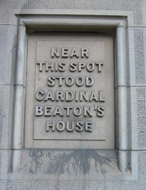 Cardinal Beaton tablet in the Cowgate