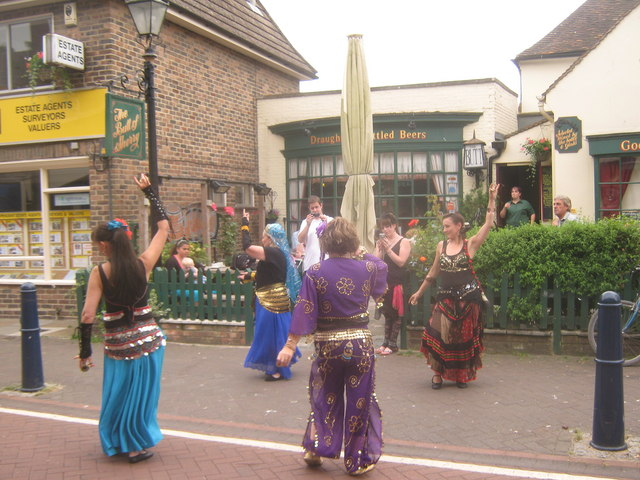 Belly Dancers in Hythe
