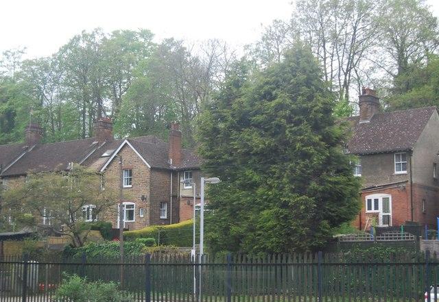 Houses on Oakhill Rd