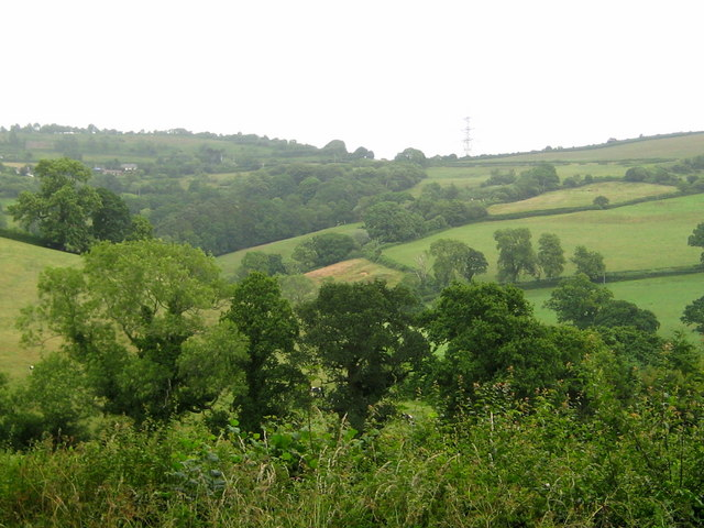 Countryside between Coney's Castle and Fishpond Bottom