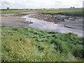 TQ5376 : Dartford Creek at low tide by Marathon