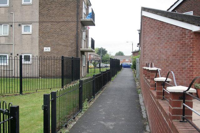 Footpath to Denton Lane