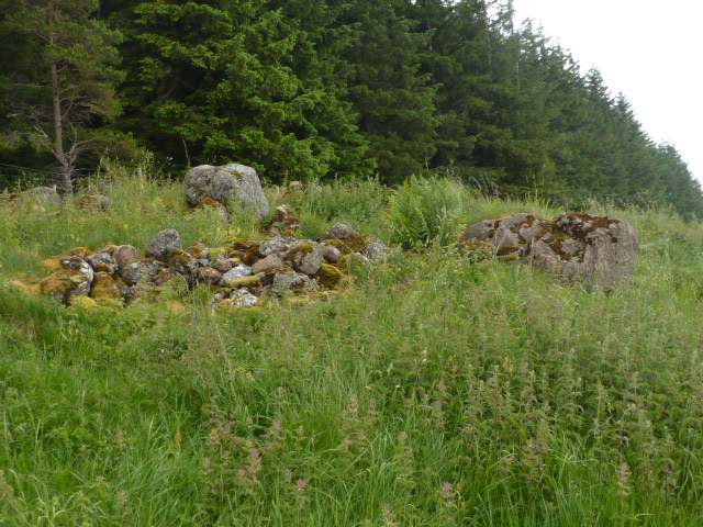 Pile of large rocks near top of Hill of Merdrum