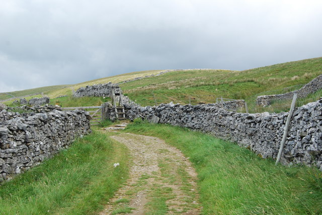 Gate and stile on the bridleway
