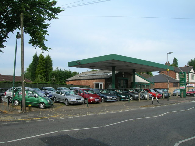 Car sales garage, Westdale Lane West