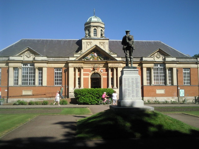 Dartford War Memorial and Library