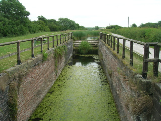 Disused lock, Grantham Canal