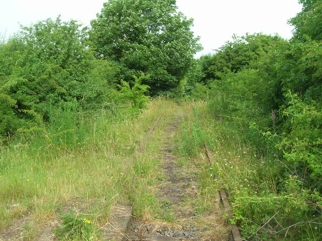 Disused railway near Cotgrave Place