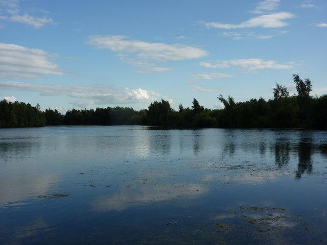 Expanse of water at Daneshill Lakes