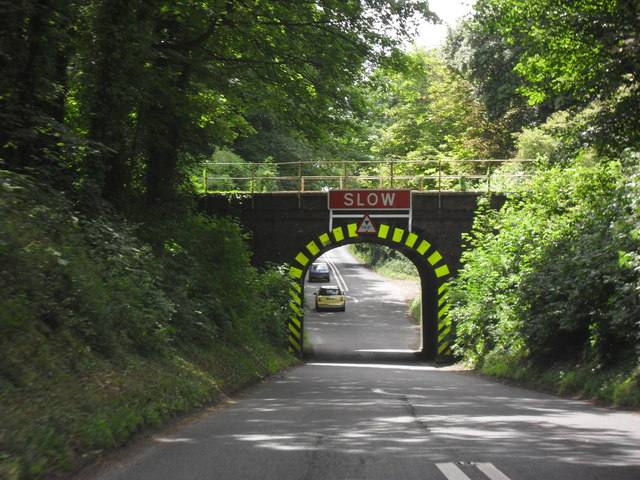 Railway bridge over the A433