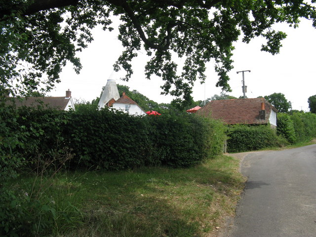 Oast house at Redbridge Farm