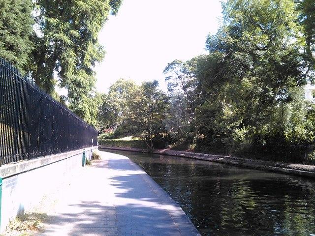 The Regent's Canal trailing through Regent's Park