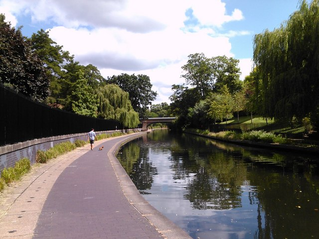 Footbridge to Regent's Park, viewed from the canal towpath