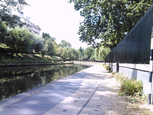 Looking back along the Regent's Canal