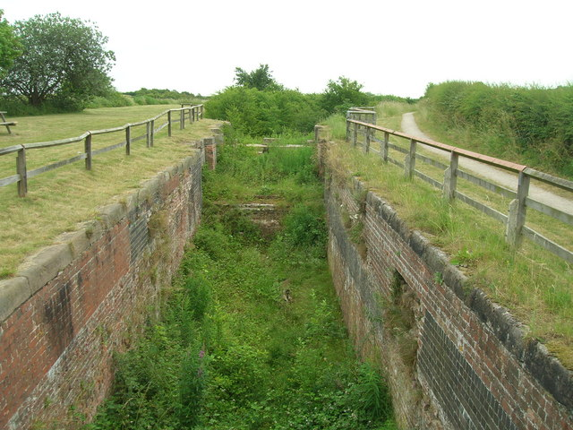 Disused lock, Grantham Canal