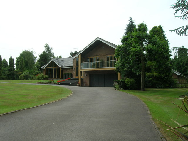 House near Radcliffe on Trent Golf Course