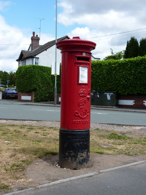 Edwardian post box on the corner of Mount Road / Penn Road