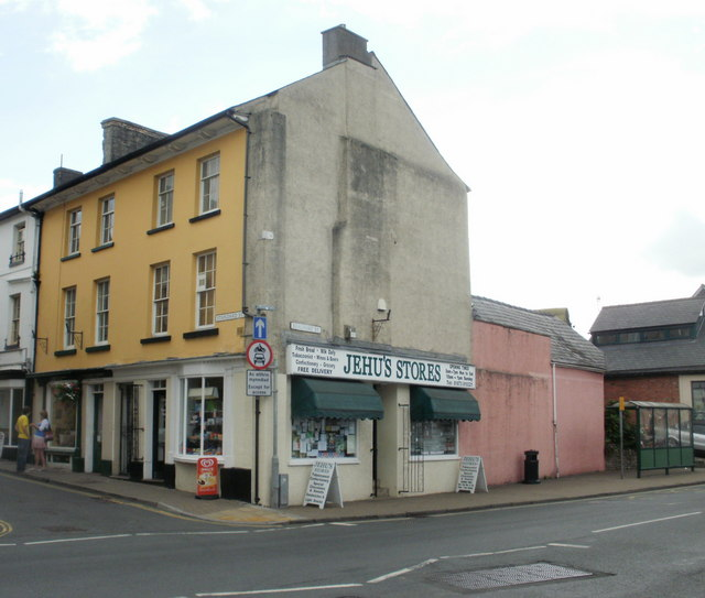 Crickhowell : corner of Standard Street and Beaufort Street
