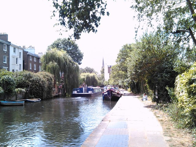 A serene view of the Regent's Canal #2