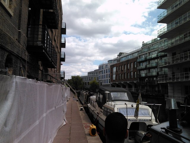 Flats and narrowboats on the Regent's Canal in Camden