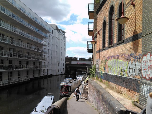 Flats on the Regent's Canal