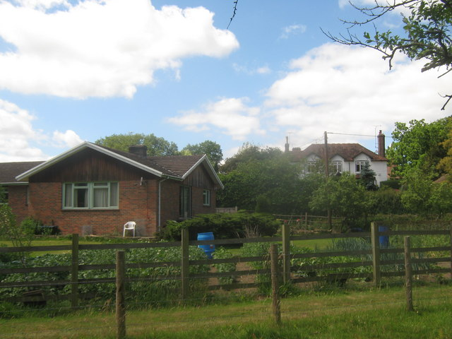 Moat Farm Cottage and Moat Farm House
