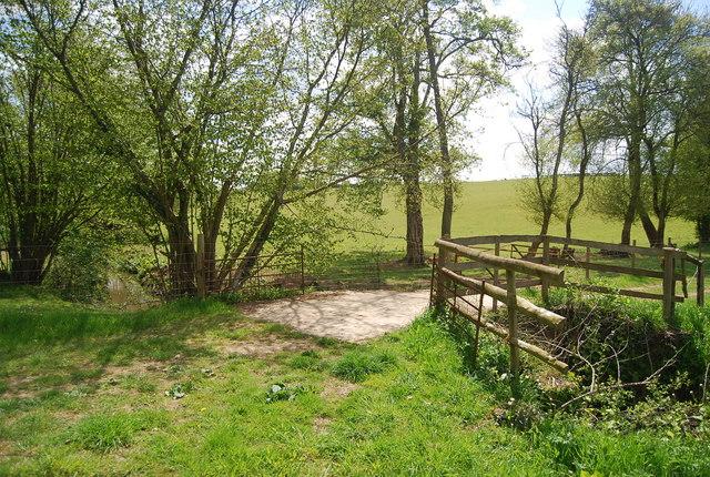 Footpath across Pellingford Brook
