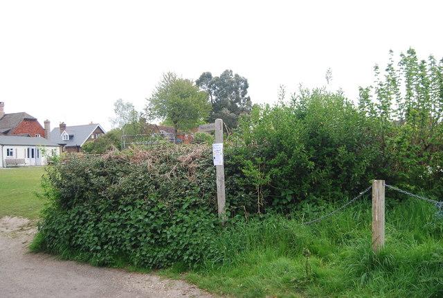 Footpath signpost, Chapel Lane