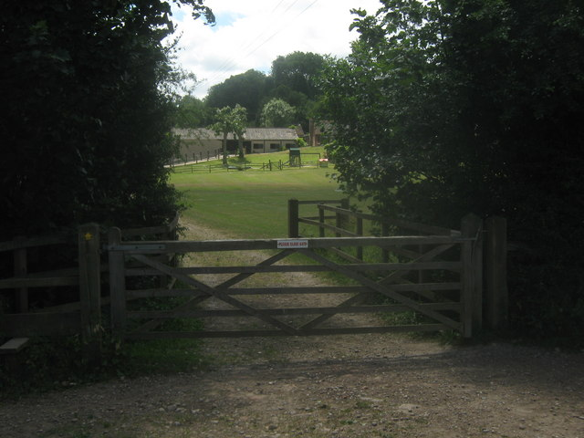 Bridge on Sussex Border Path near Sussex House Farm