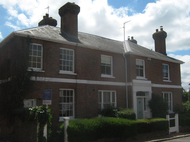 Medway House and Medway Cottage, Cowden