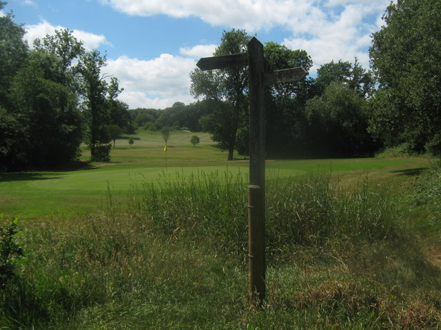 Footpath junction near Sweetwoods Park Golf Course