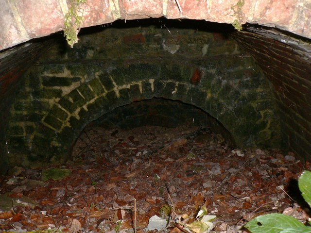 Old lime kiln near byway south of Bepton