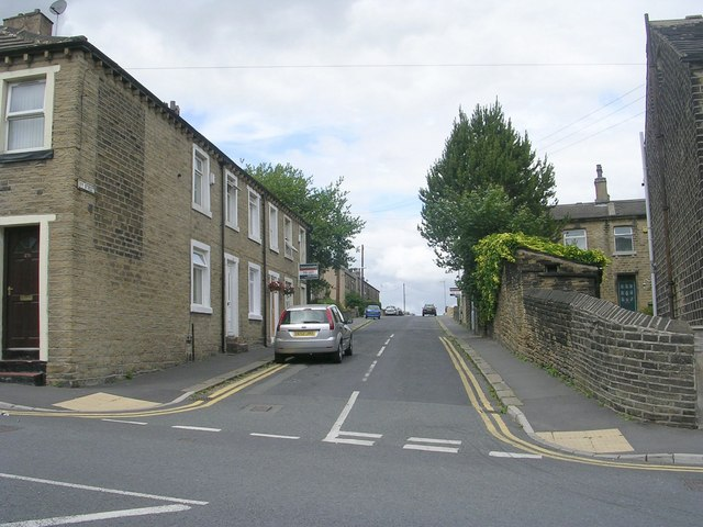 Ivy Street - Blackmoorfoot Road