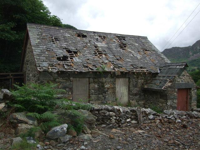 Derelict building close to Llyn Crafnant