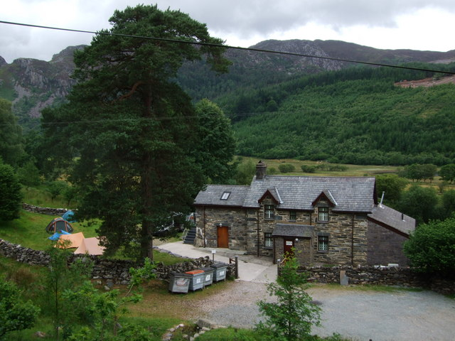 Cornel Scout Centre at Llyn Crafnant
