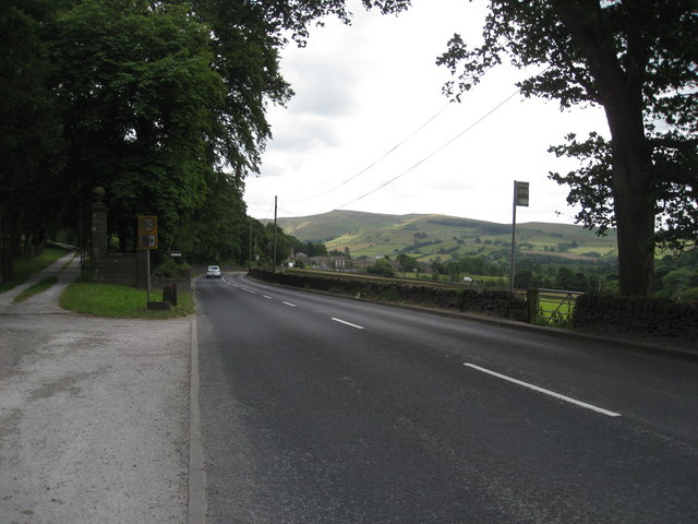 Approaching Little Hayfield on the A624