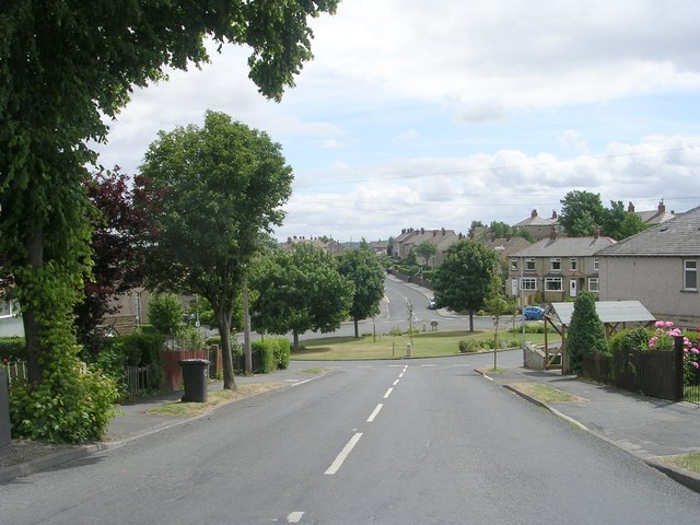 Balmoral Avenue - Blackmoorfoot Road