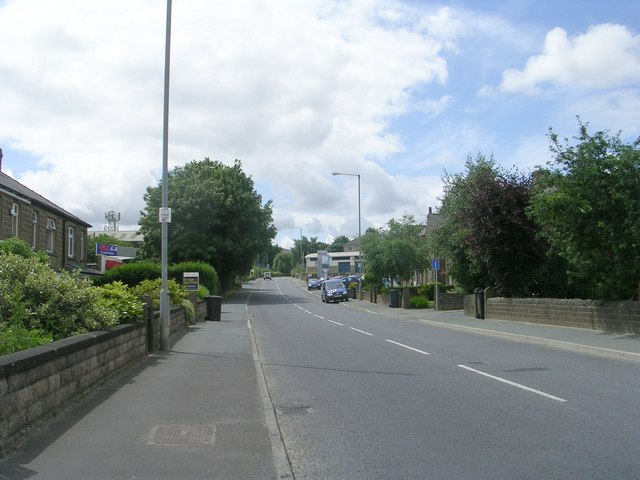 Blackmoorfoot Road - viewed from Balmoral Avenue