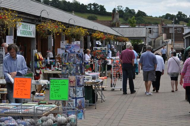 Tiverton : Tiverton Pannier Market