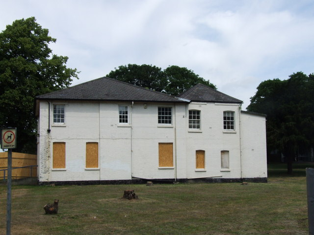 The White House, Chatham Riverside
