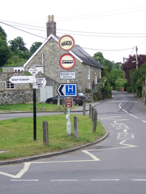 Signs and road junction, Shaftesbury