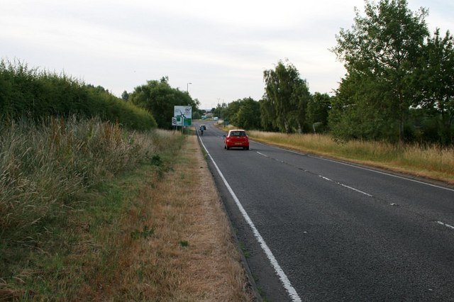 The B 4011 approaching Thame