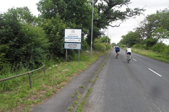 Entering Leyland - Leyland Lane