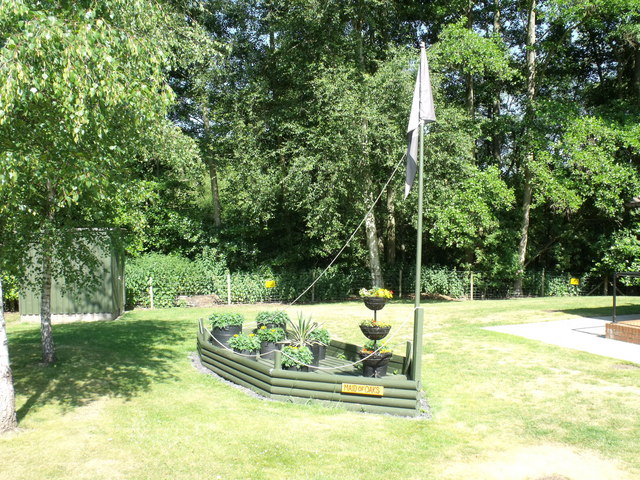Boat floral display, Four Oaks Caravan Club site, Henley