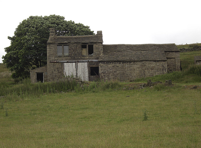 Derelict house and barn, Lady Royd