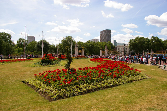 Garden adjacent Buckingham Palace