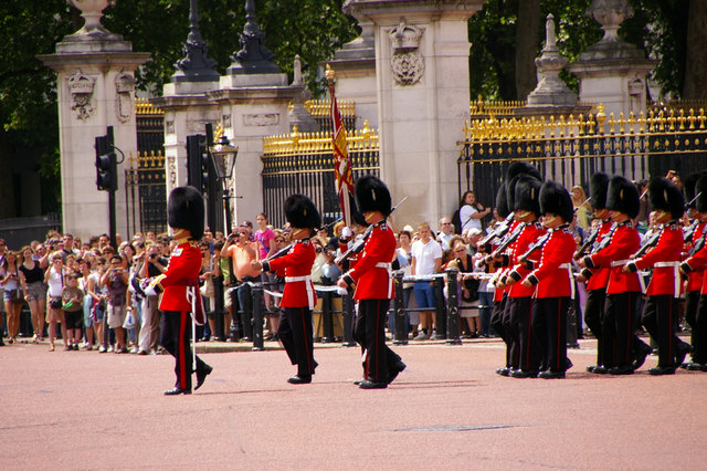 Footguard Soldiers, Buckingham Palace