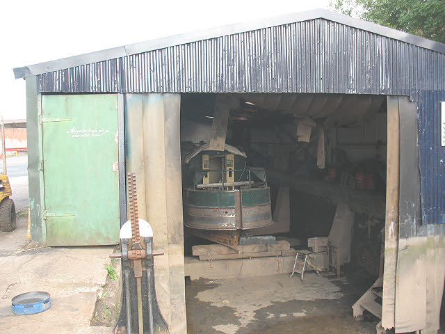 Inside the boatyard at Middlewich